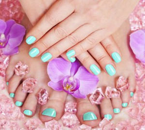 embedded_turquoise_pedicure